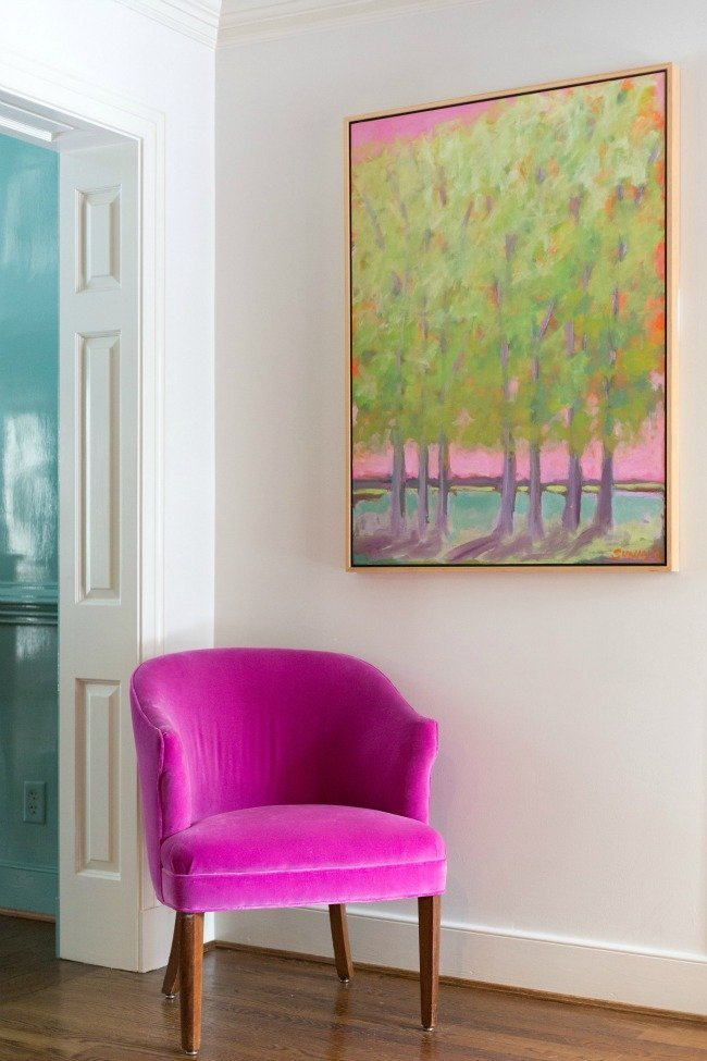 AP.Sunny-Goode-contemporary-artwork-and-hot-pink-chair-in-foyer