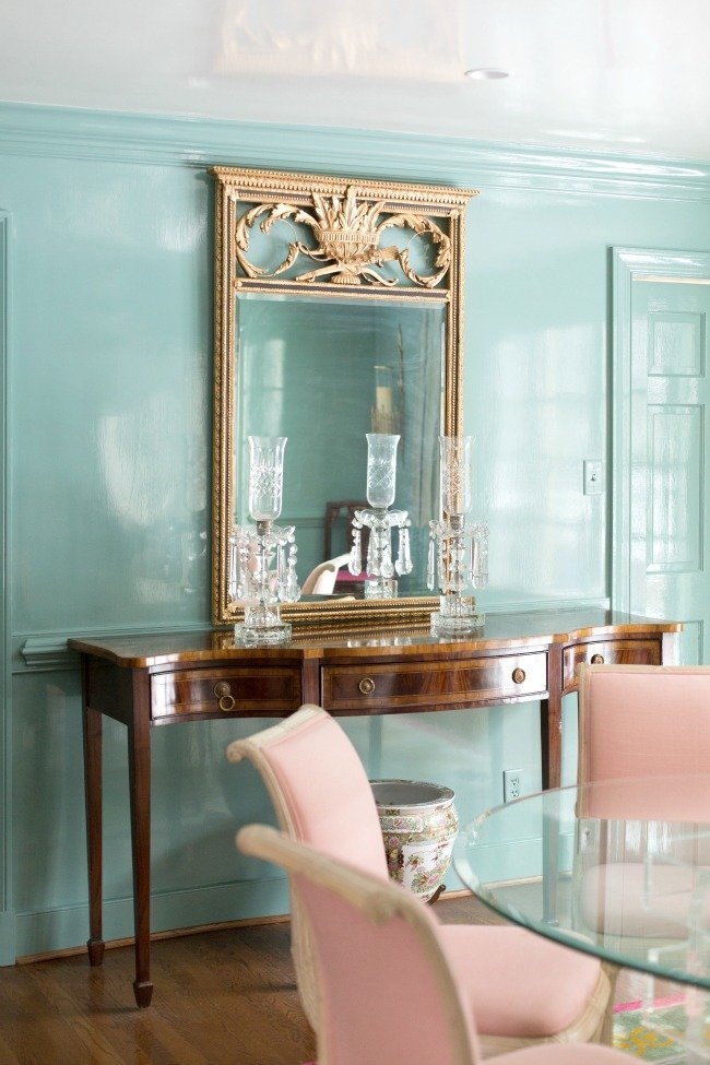 AP.This-is-what-lacquered-walls-look-like-Benjamin-Moore-Paint-Color-Millspring-Blue